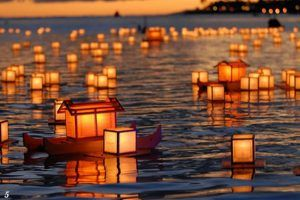 Celebran, por primera vez en Europa, la ceremonia religiosa japonesa 'Toro Nagashi'