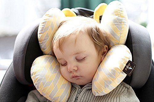Fisioterapeutas aconsejan el uso de reposacabezas en sillas de bebé en los coches