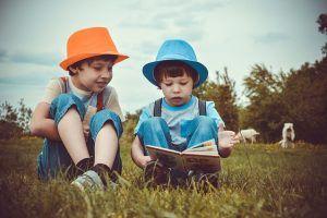 Leer en voz alta tiene muchos beneficios para el cerebro