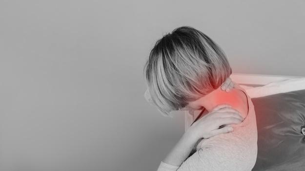 El dolor de cuello se puede aliviar con estos ejercicios